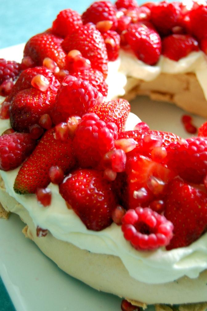 Desserts – Iain's Slow-Cooked Pavlova